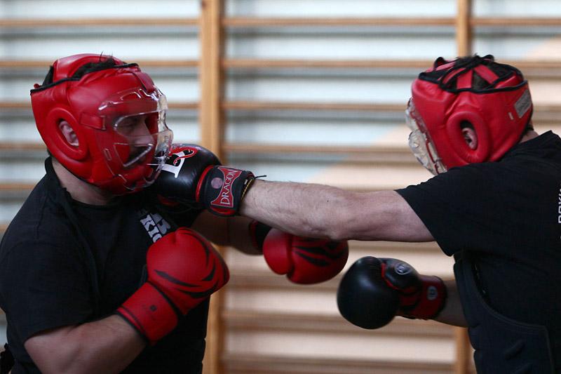 boks dla kobiet częstochowa - trening boksu dla kobiet w częstochowie, backfist