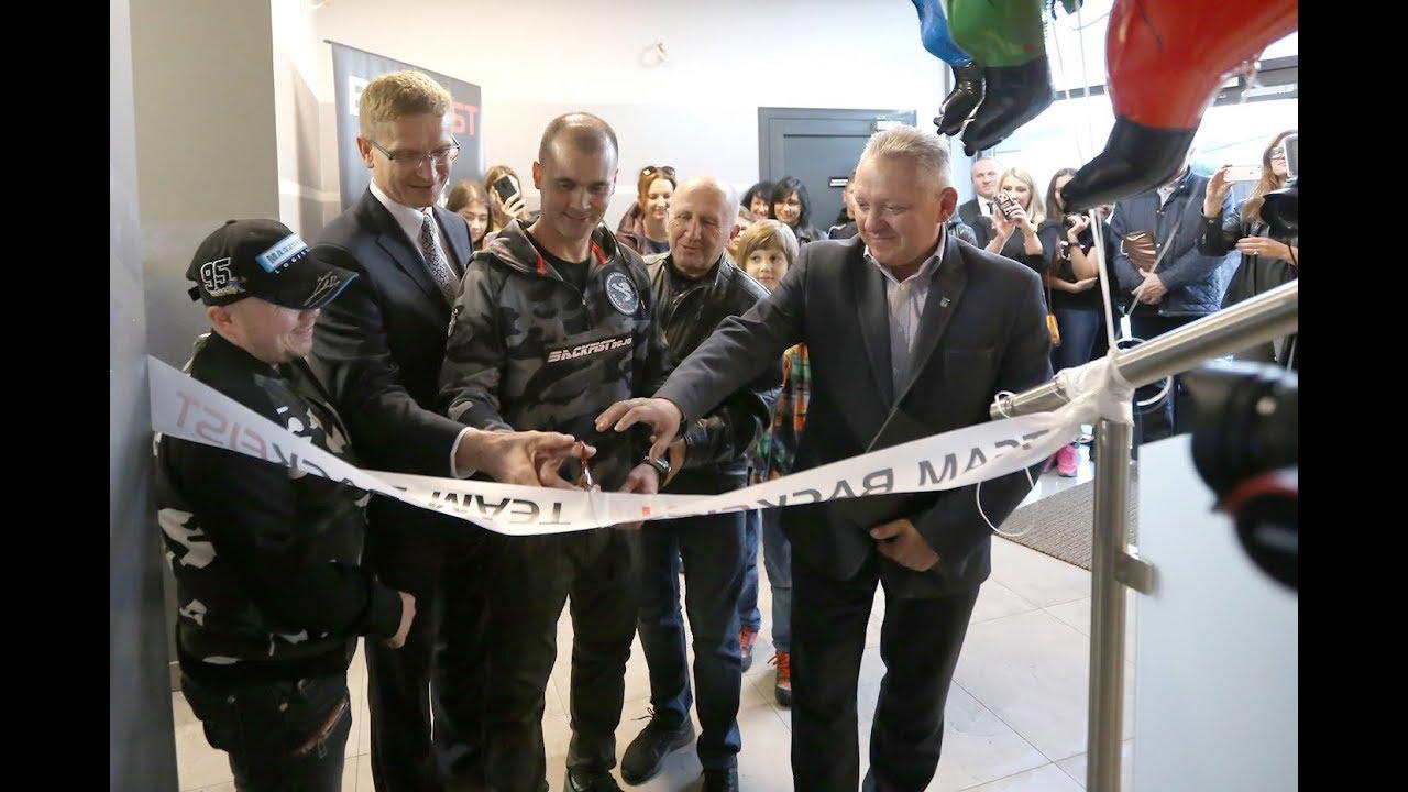 Prezydent Miasta Częstochowy na otwarciu Backfist Dojo – Sztuki Walki Częstochowa
